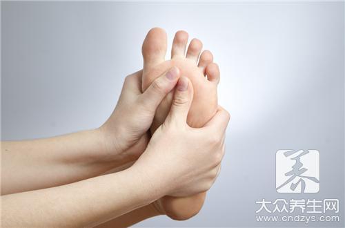 脚中间疼是怎么回事