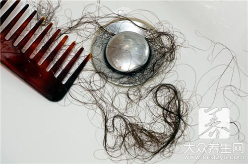 一天掉多少头发是正常的